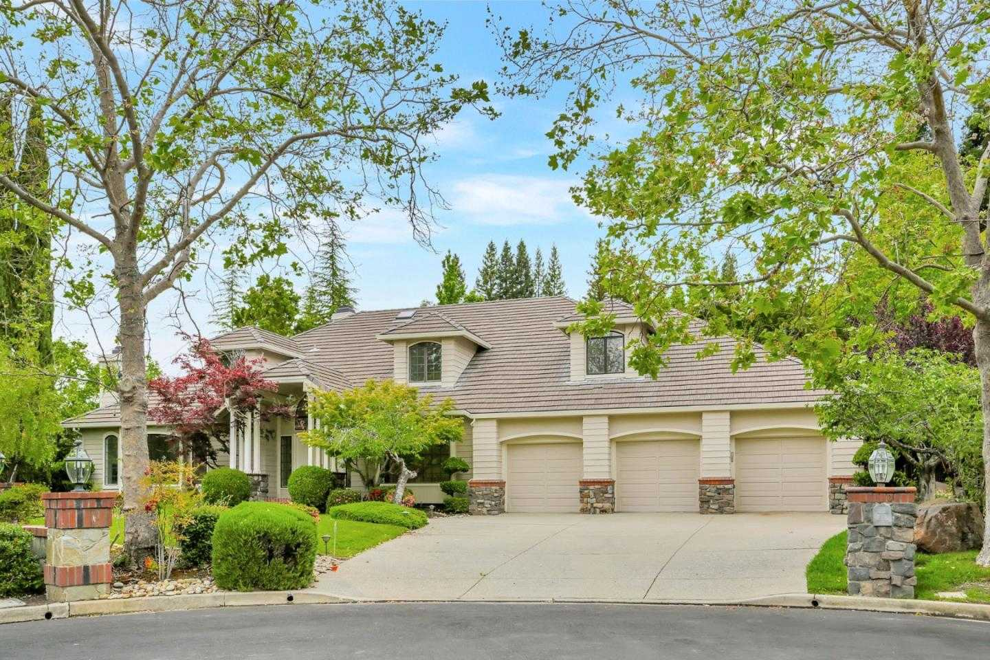 $1,949,000 - 4Br/5Ba -  for Sale in Danville
