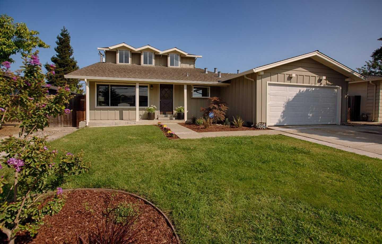$1,549,000 - 6Br/3Ba -  for Sale in Santa Clara