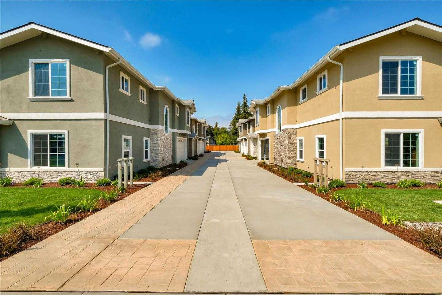 $850,000 - 3Br/3Ba -  for Sale in Castro Valley