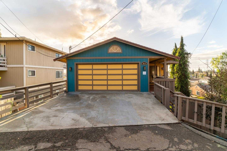 $1,099,000 - 6Br/5Ba -  for Sale in Hayward