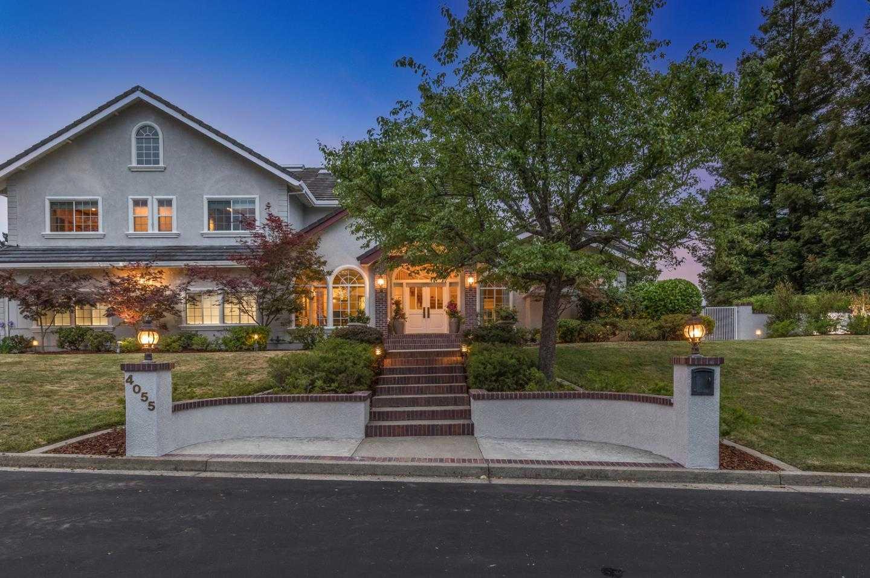 4055 Oak Manor