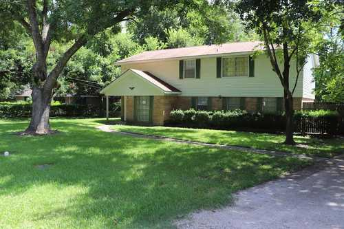 $229,000 - 4Br/2Ba -  for Sale in A0066 J E Groce, Clute