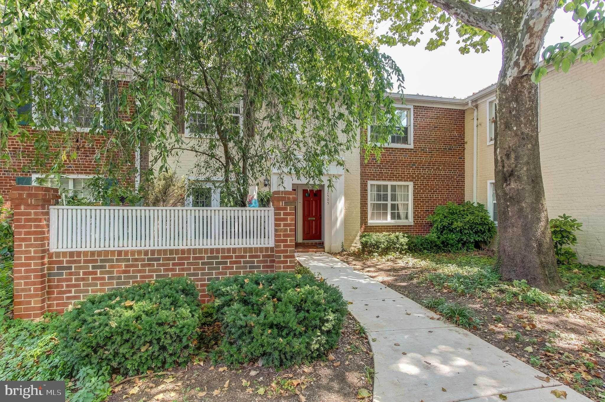 $433,900 - 3Br/2Ba -  for Sale in The Arlington, Arlington