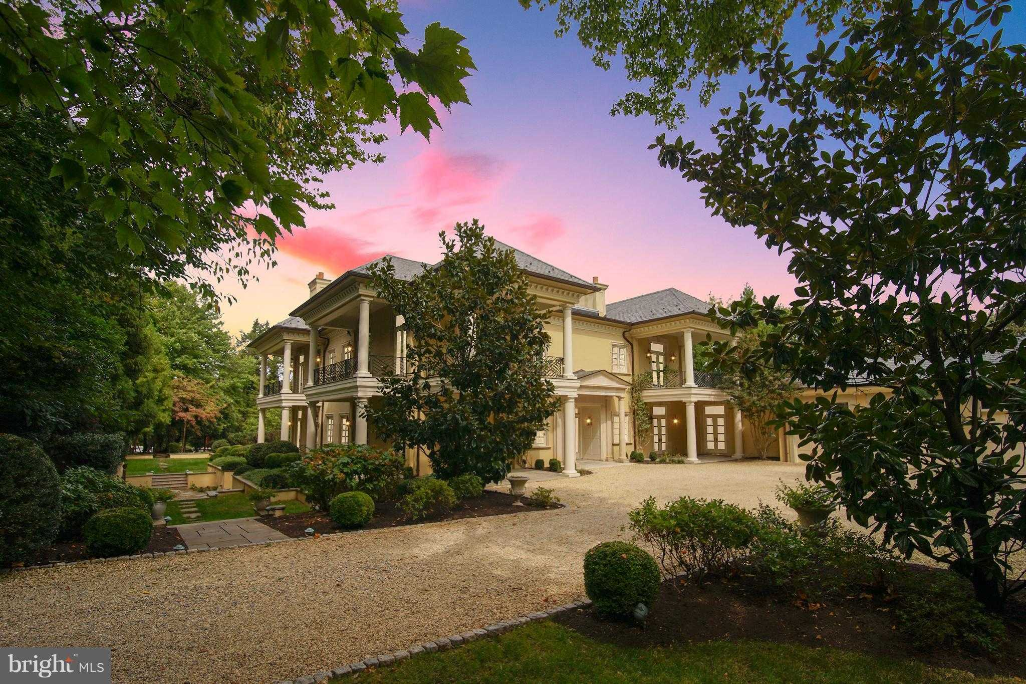 Homes for Sale in McLean - Chrissy and Lisa — REMAX by invitation