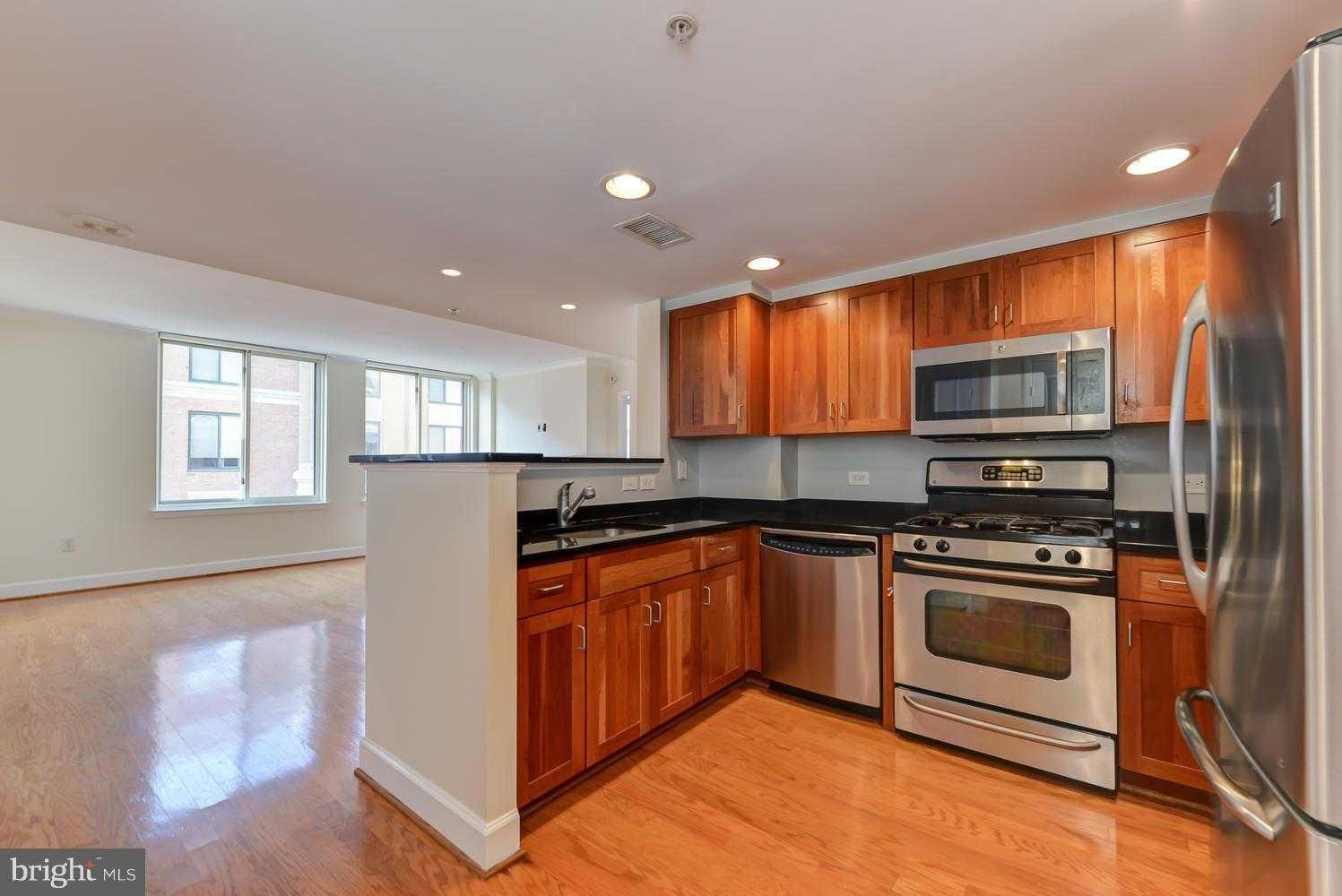 $634900 - 2Br/2Ba - for Sale in Station Square Arlington & Clarendon Homes for Sale | John Mentis