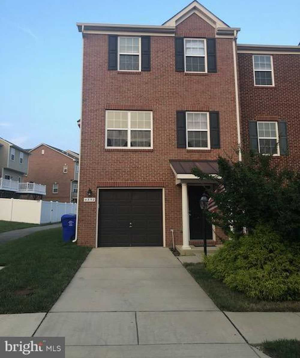 4852 Olympia Place Waldorf Md 20602 Century 21 New Millennium