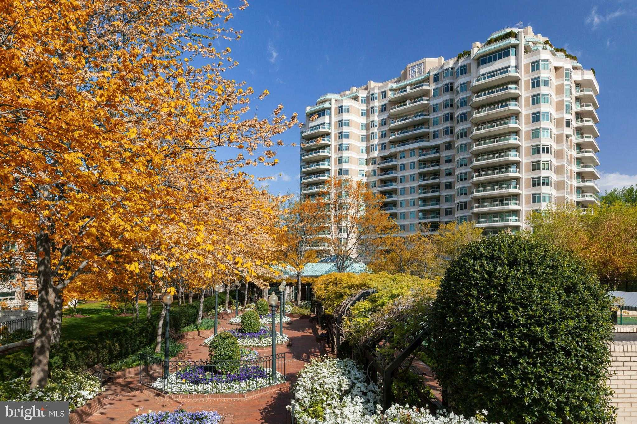 $3,295,000 - 3Br/4Ba -  for Sale in Parc Somerset Codm, Chevy Chase
