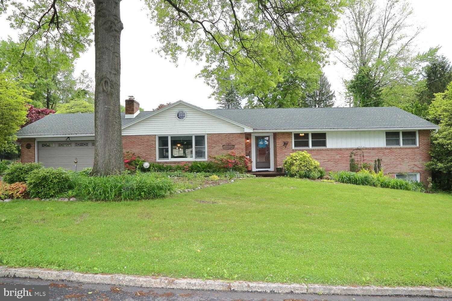 $309,900 - 5Br/3Ba -  for Sale in Country Club Hills, Camp Hill