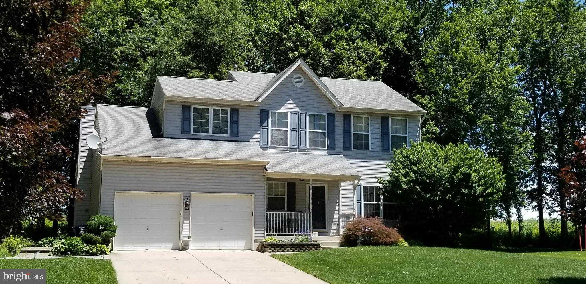 $290,000 - 3Br/3Ba -  for Sale in None Available, Burlington