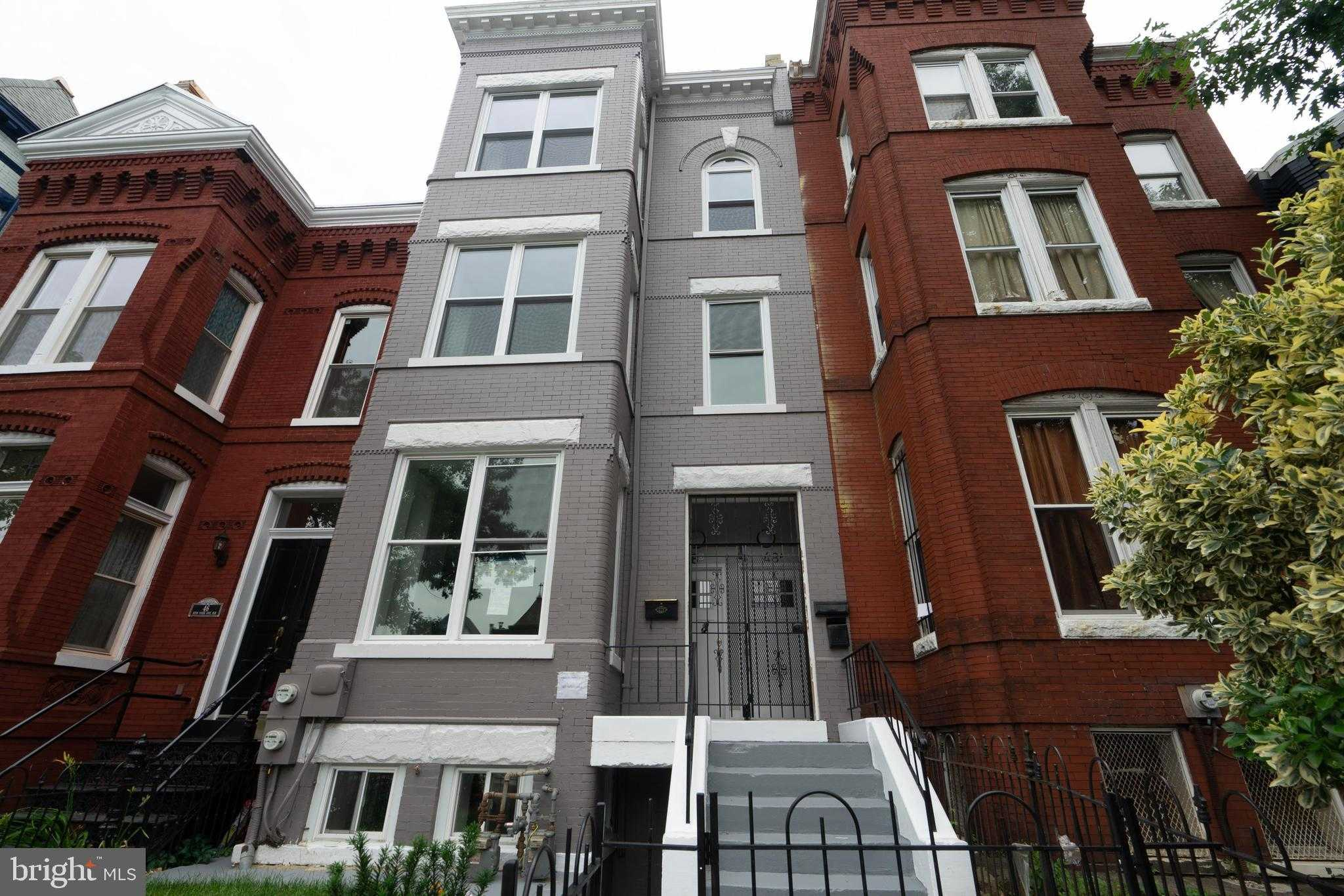 $850,000 - 3Br/3Ba -  for Sale in Old City #2, Washington