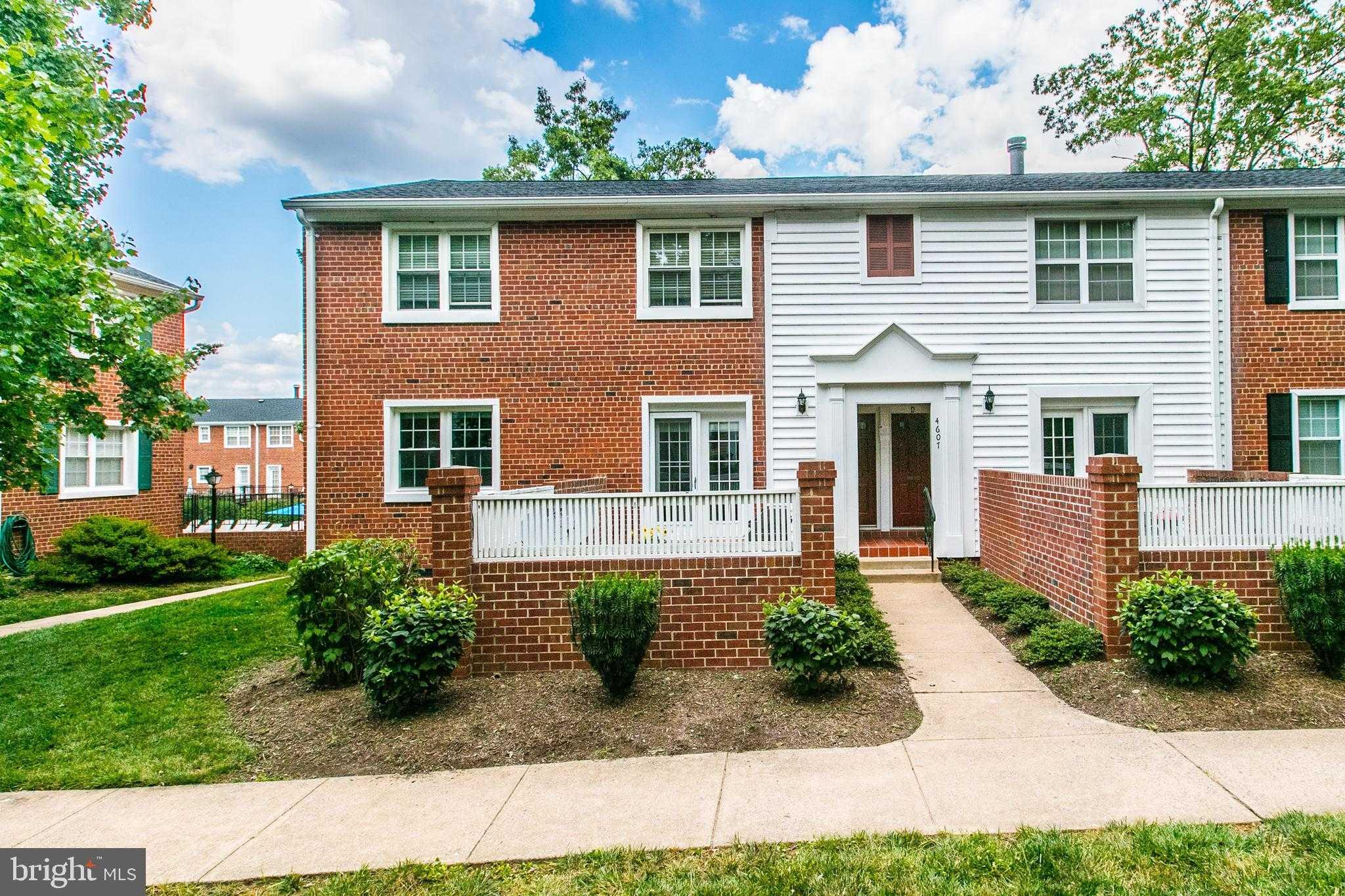 $459,900 - 3Br/2Ba -  for Sale in The Arlington, Arlington