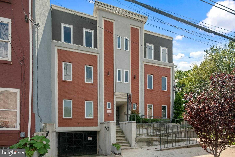 $335,000 - 2Br/2Ba -  for Sale in Spring Arts, Philadelphia