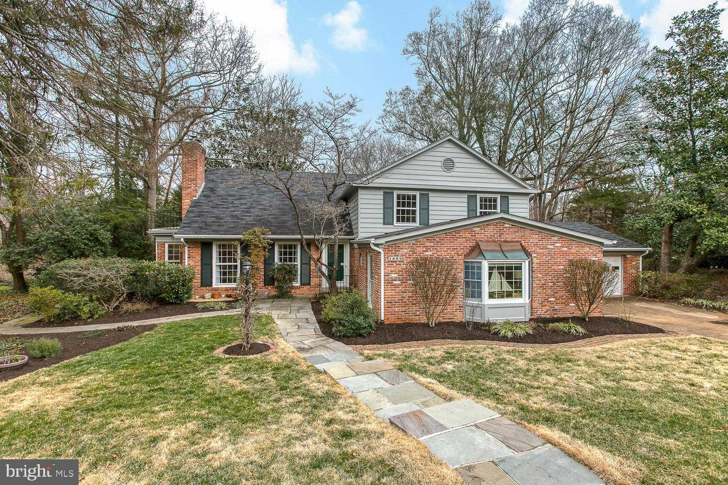 $899,900 - 3Br/4Ba -  for Sale in Barcroft Woods, Falls Church