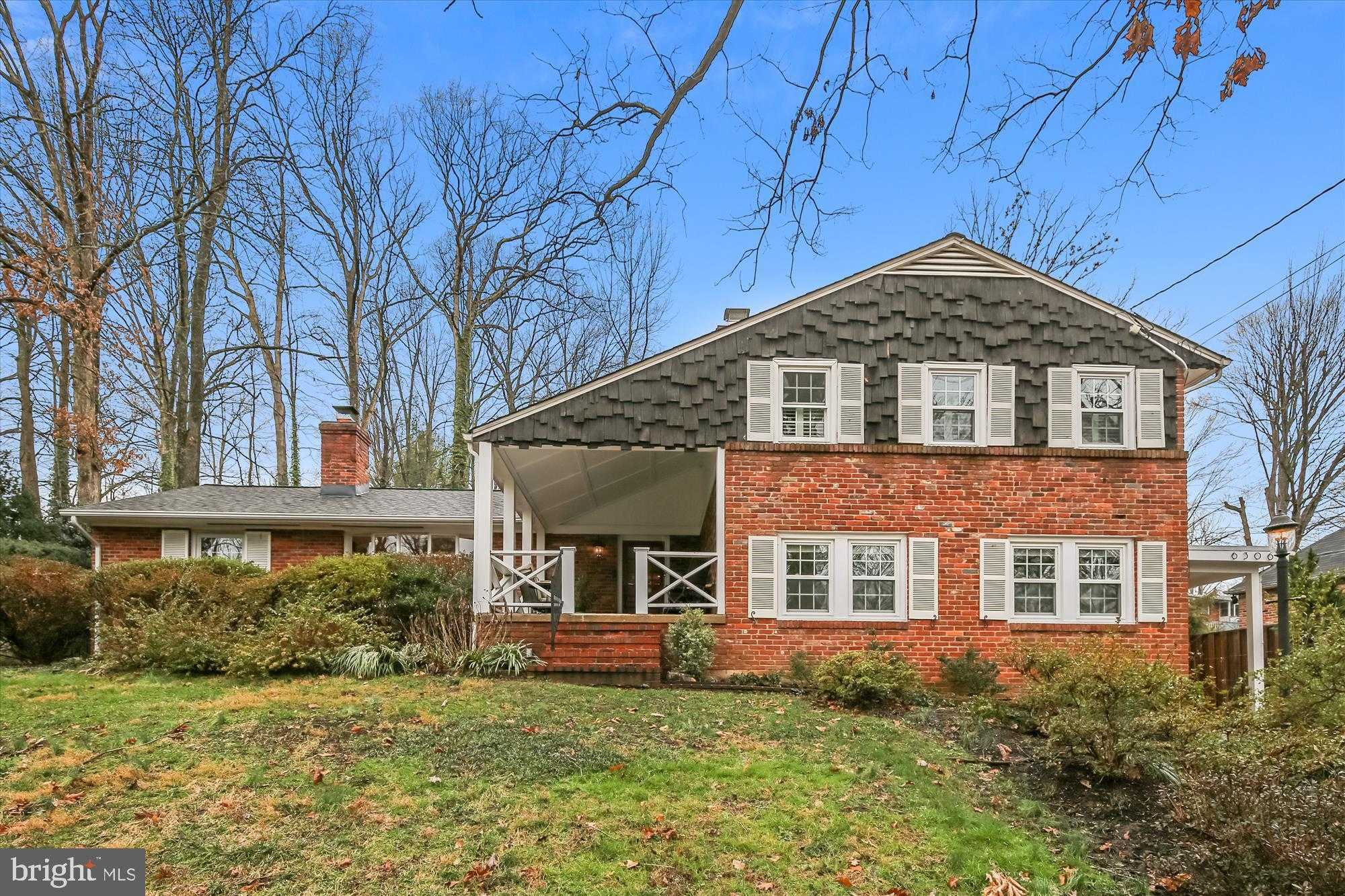 $924,000 - 4Br/3Ba -  for Sale in Lake Barcroft, Falls Church