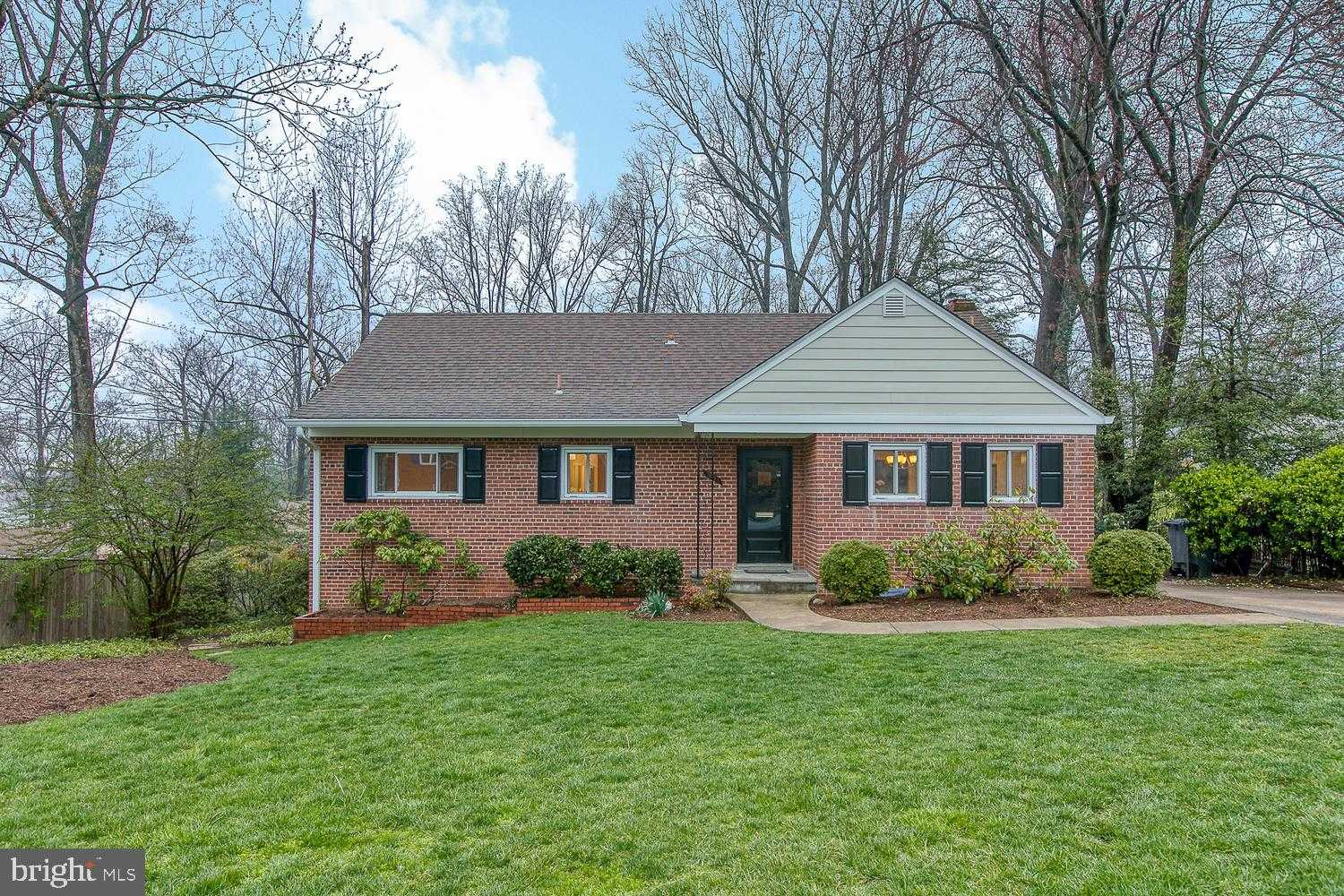 $699,900 - 4Br/2Ba -  for Sale in Sleepy Hollow Manor, Falls Church