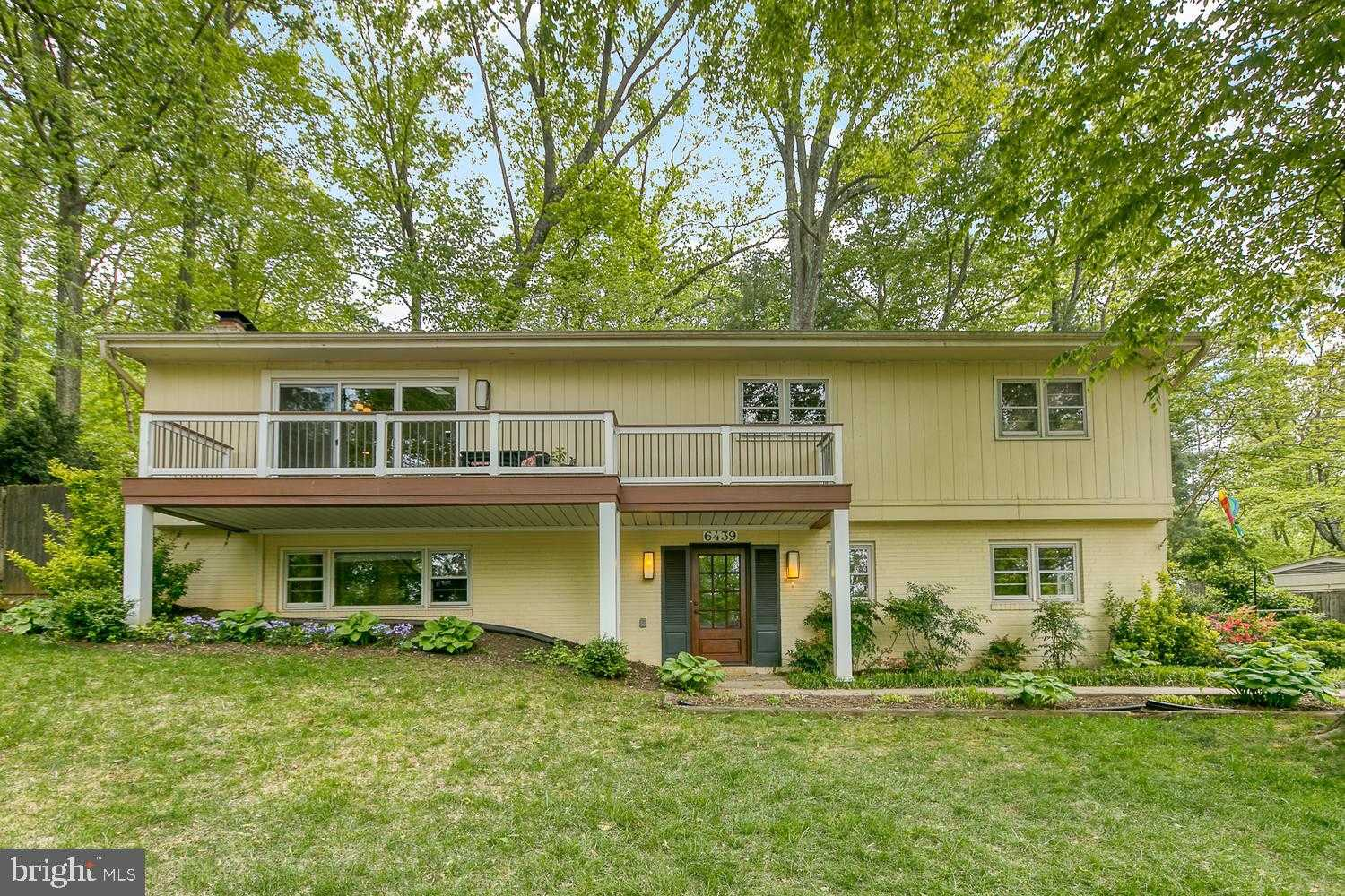 $875,000 - 5Br/3Ba -  for Sale in Lake Barcroft, Falls Church