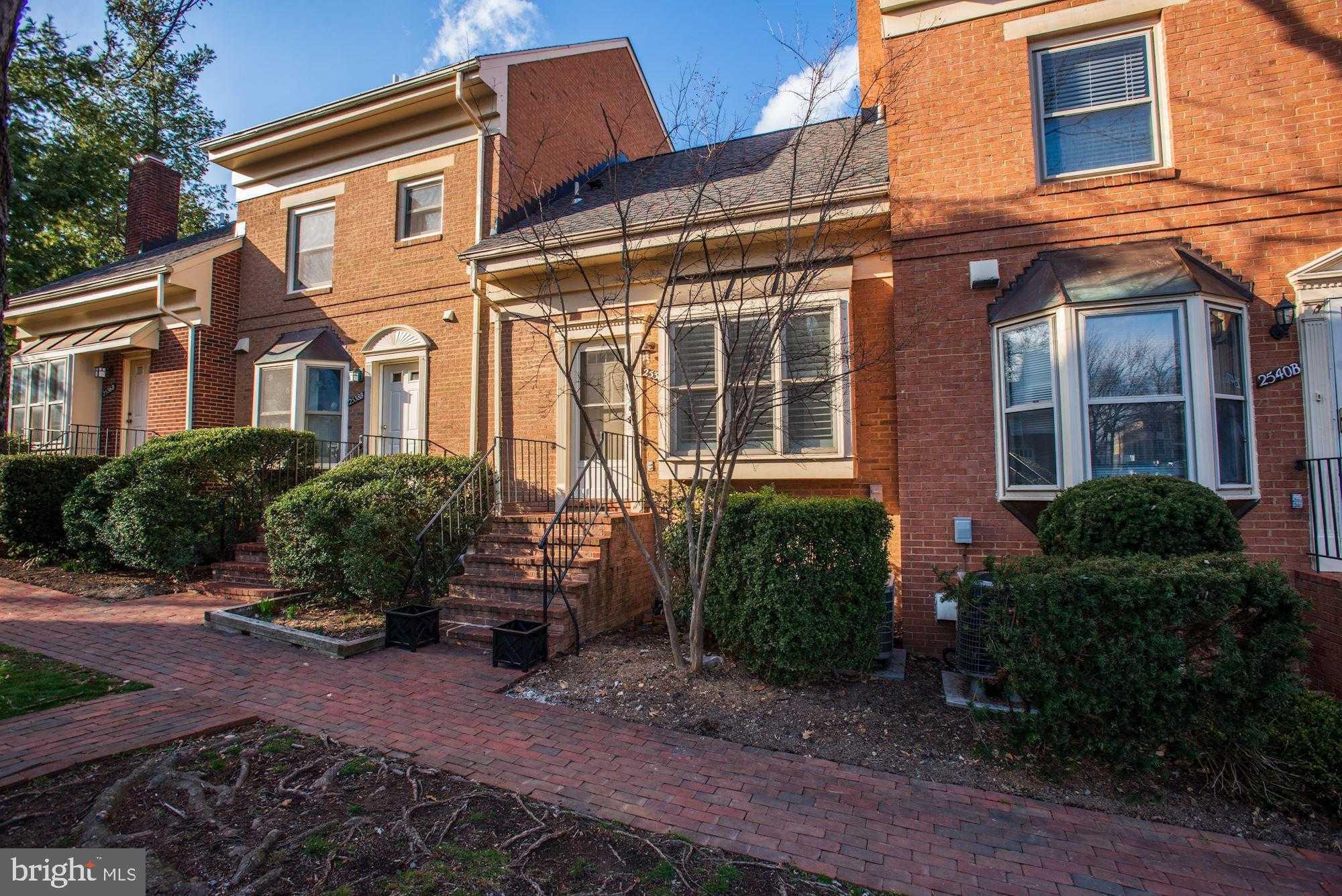 $695,000 - 2Br/2Ba -  for Sale in Clarendon, Arlington