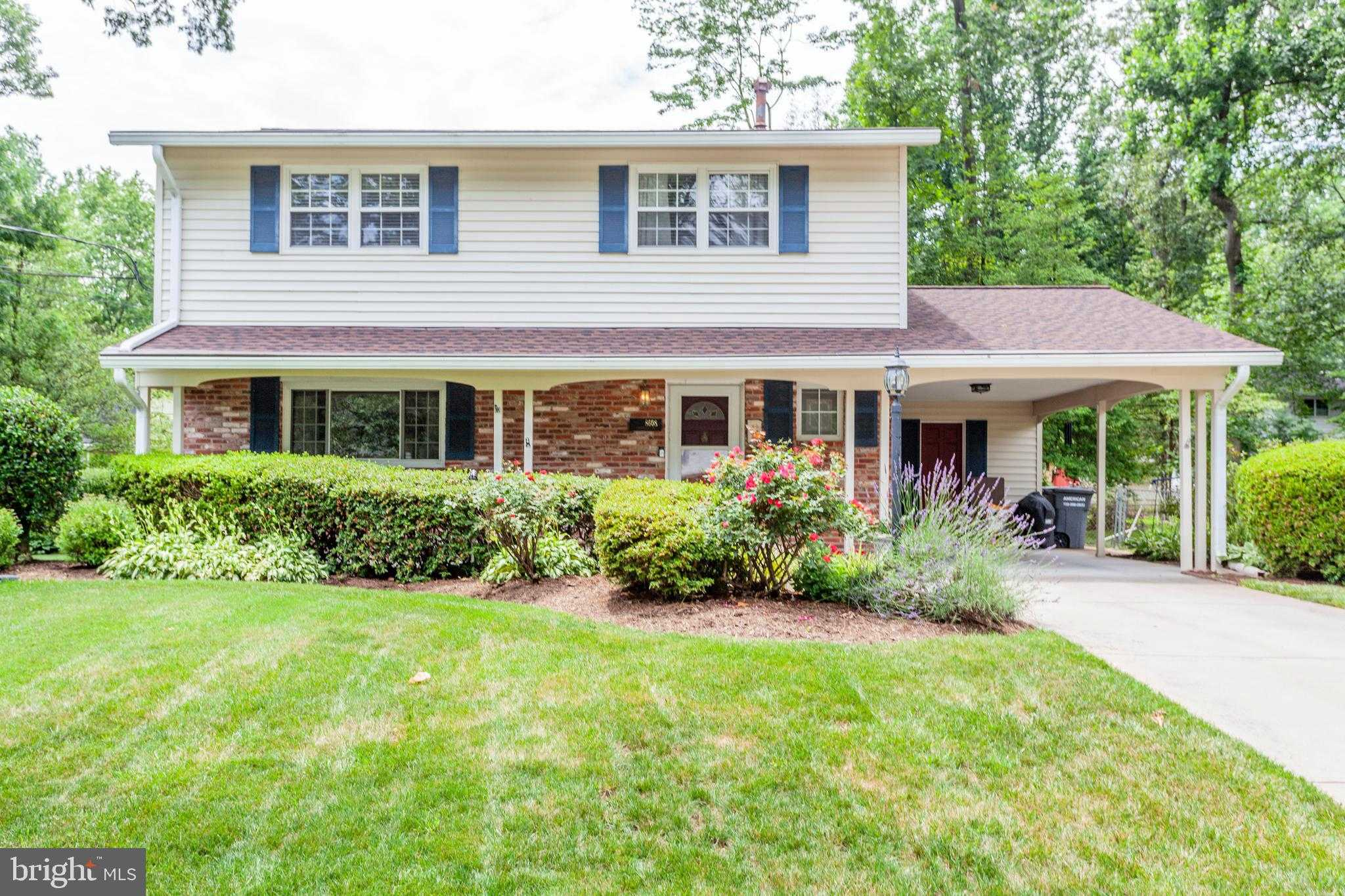 $625,000 - 5Br/3Ba -  for Sale in Kings Park, Springfield