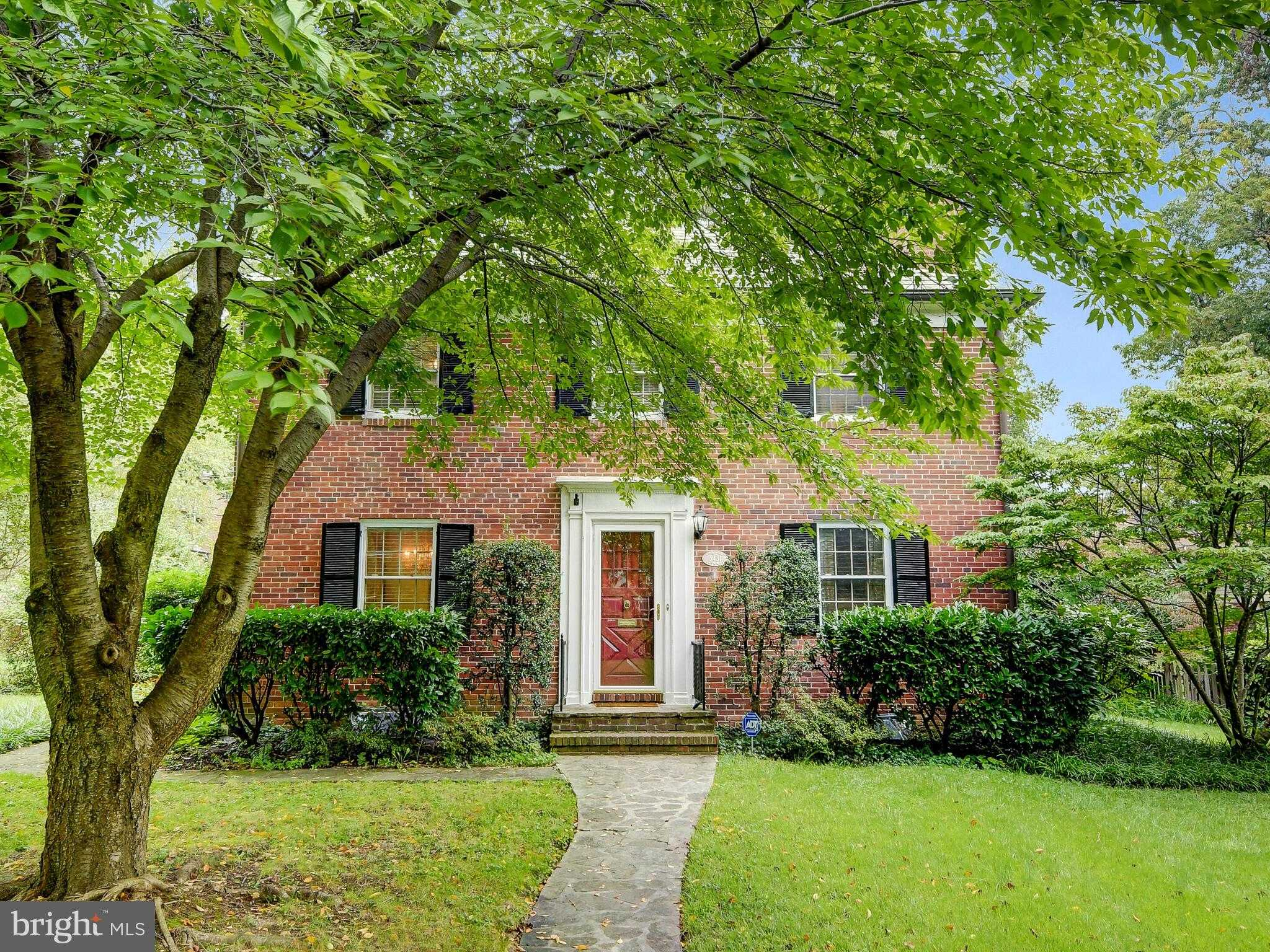 $375,000 - 3Br/2Ba -  for Sale in Homeland, Baltimore