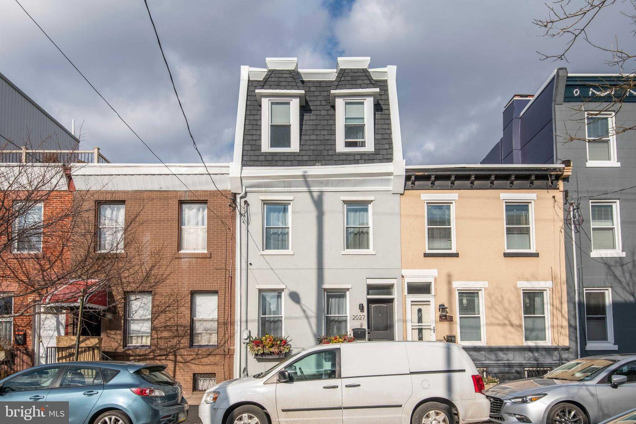 $950,000 - 3Br/3Ba -  for Sale in Graduate Hospital, Philadelphia