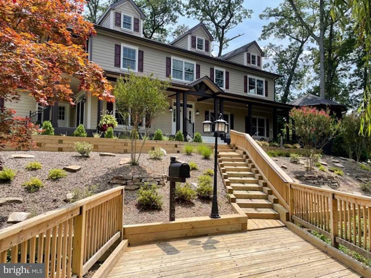$2,149,900 - 6Br/7Ba -  for Sale in Holmes Run Park, Falls Church