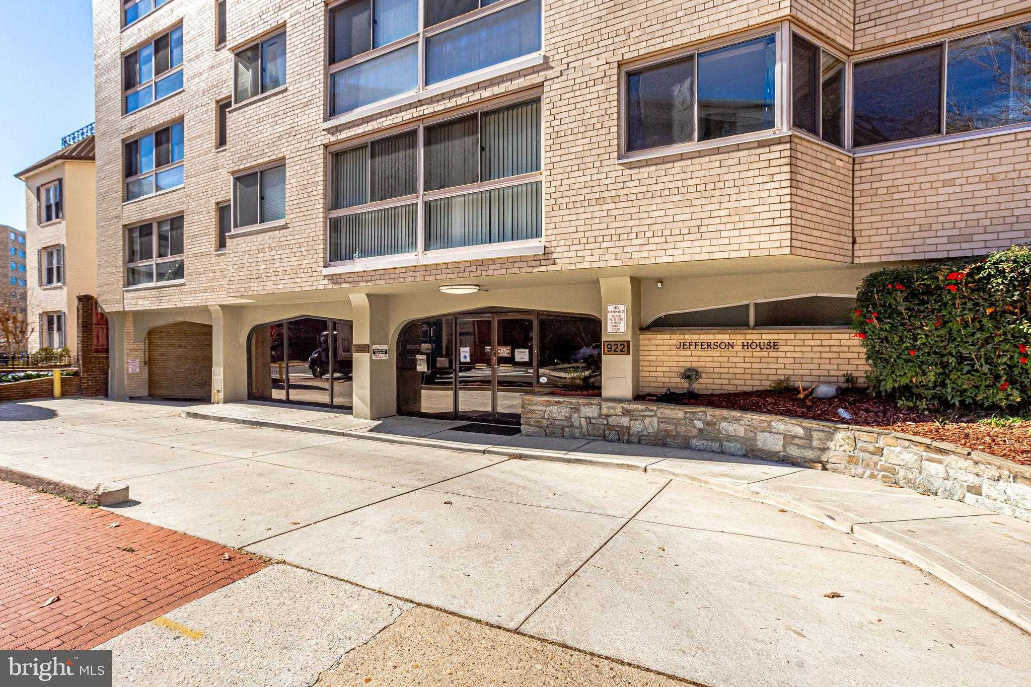 $319,500 - 1Br/1Ba -  for Sale in Foggy Bottom/west End, Washington