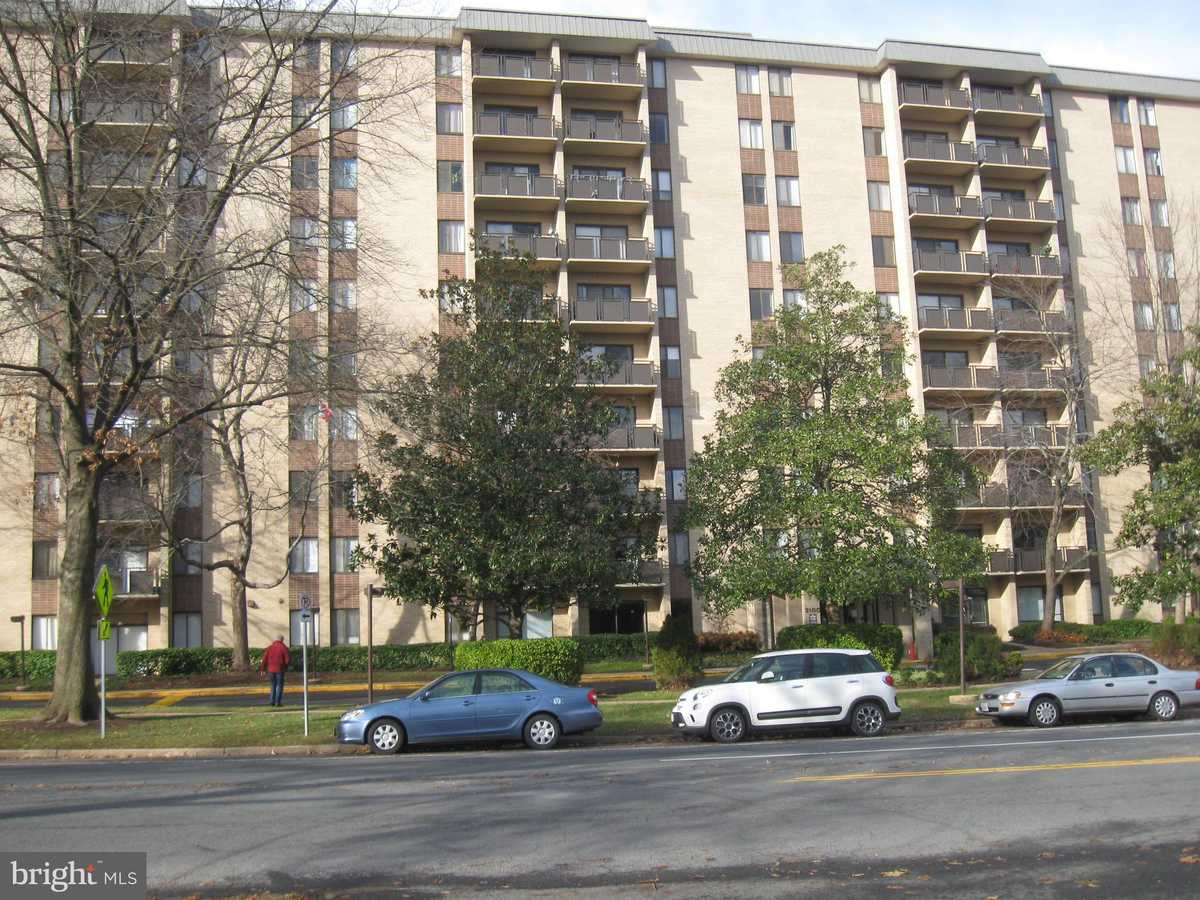 $249,900 - 2Br/2Ba -  for Sale in Woodlake Towers, Falls Church