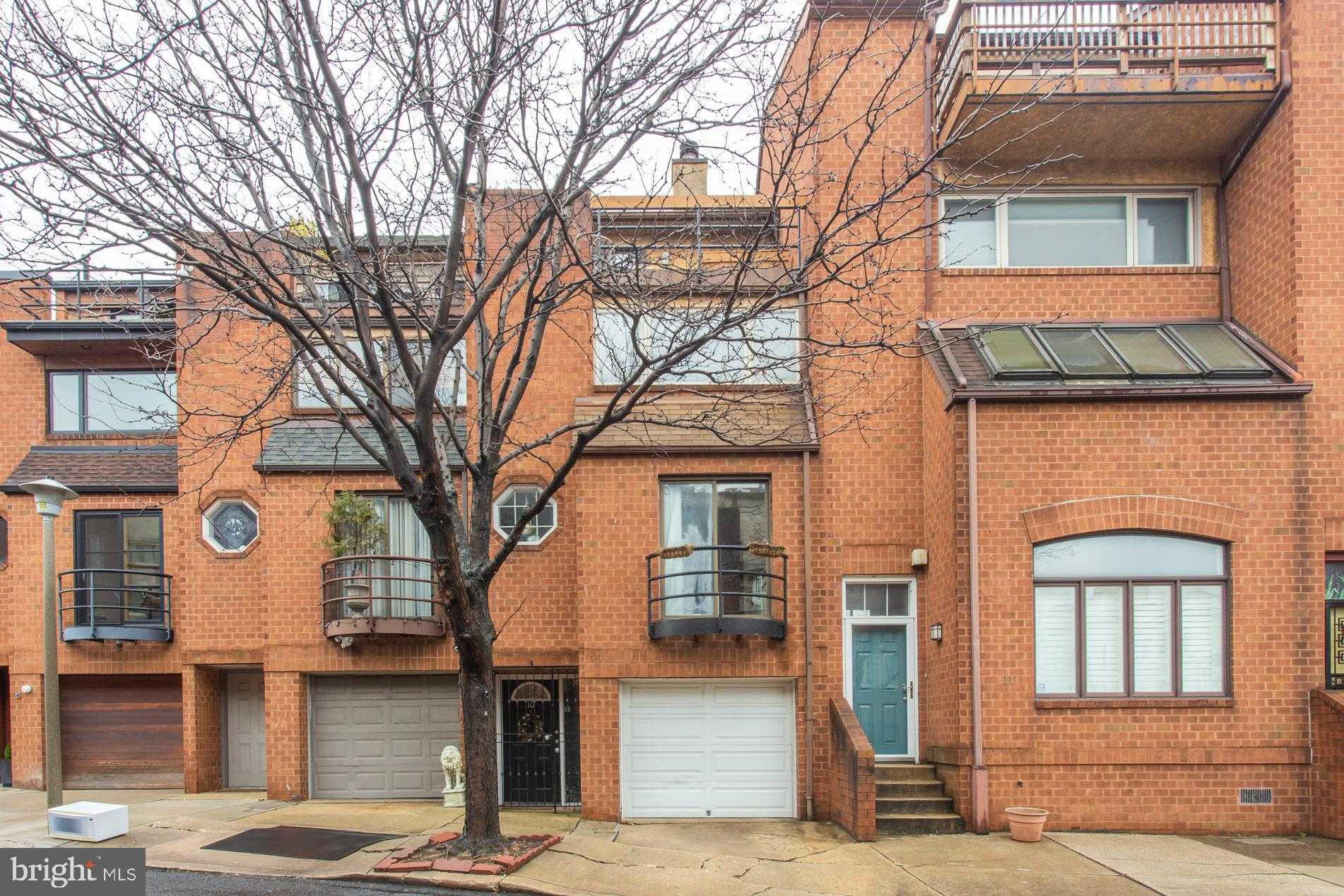 $625,000 - 3Br/3Ba -  for Sale in Queen Village, Philadelphia