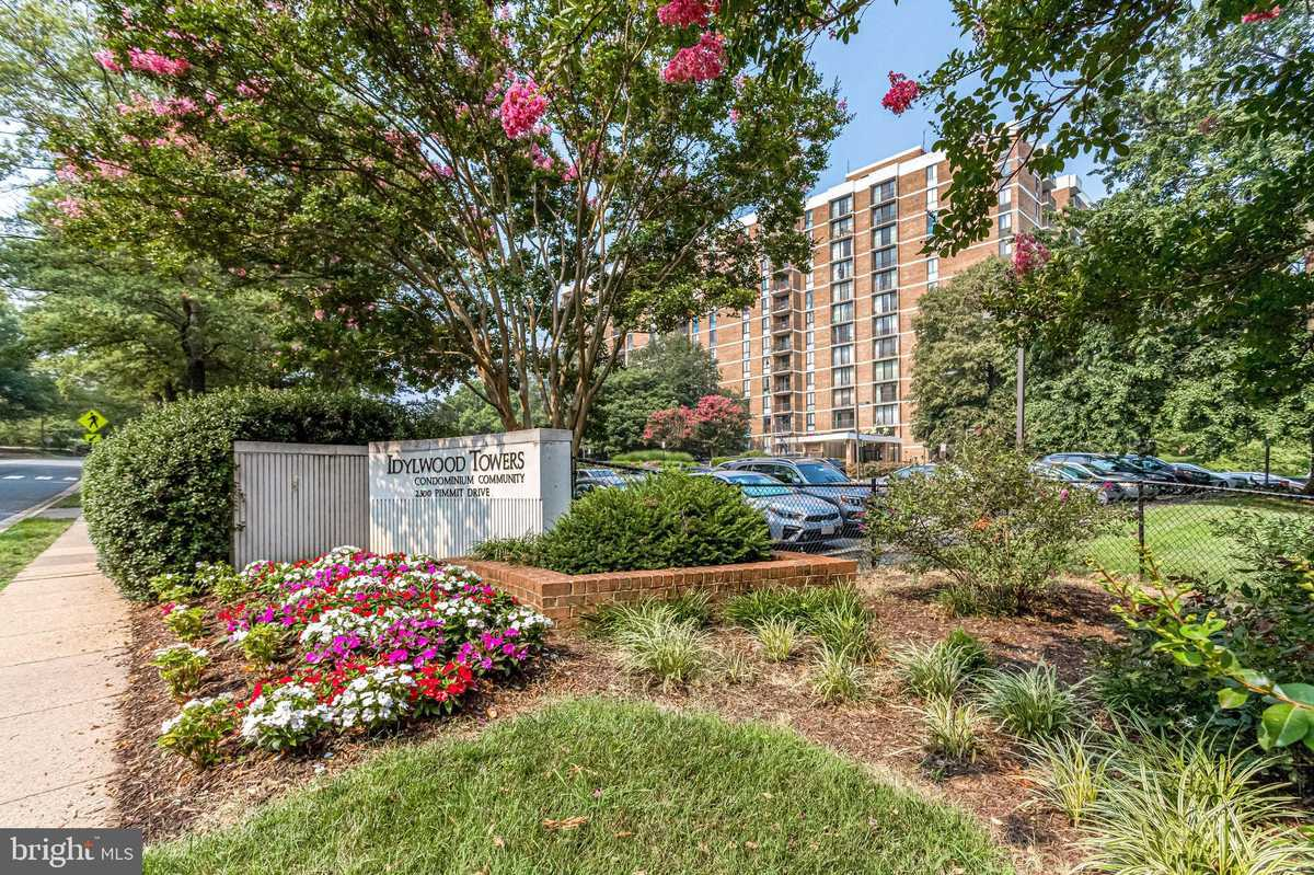 $220,000 - 1Br/1Ba -  for Sale in Idylwood Towers, Falls Church