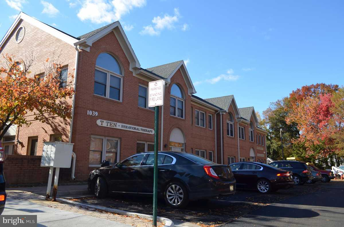 $250,000 - Br/Ba -  for Sale in Crossroads Of Dulles, Herndon