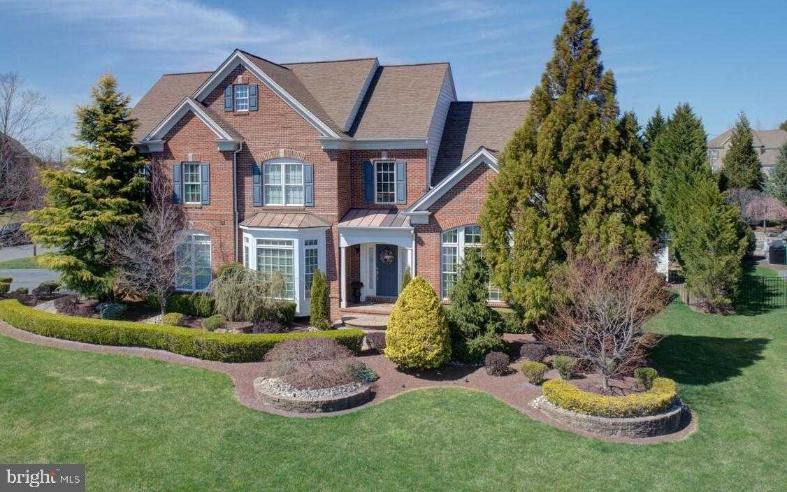 $1,100,000 - 4Br/5Ba -  for Sale in Combs Farm, Robbinsville