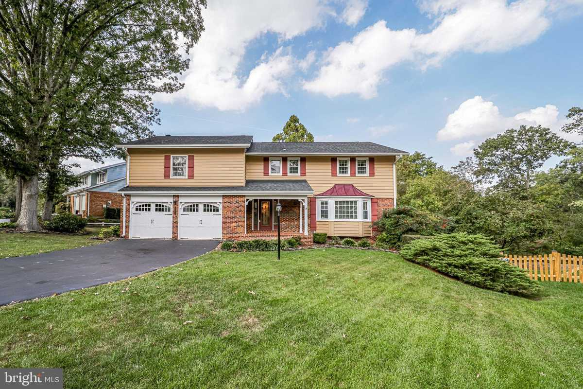 $775,000 - 5Br/3Ba -  for Sale in Cardinal Forest, Springfield