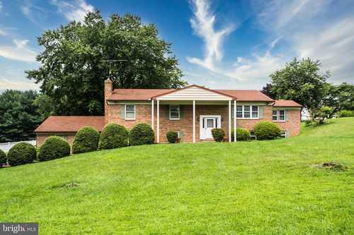 $450,000 - 6Br/3Ba -  for Sale in Oakmont, Fallston