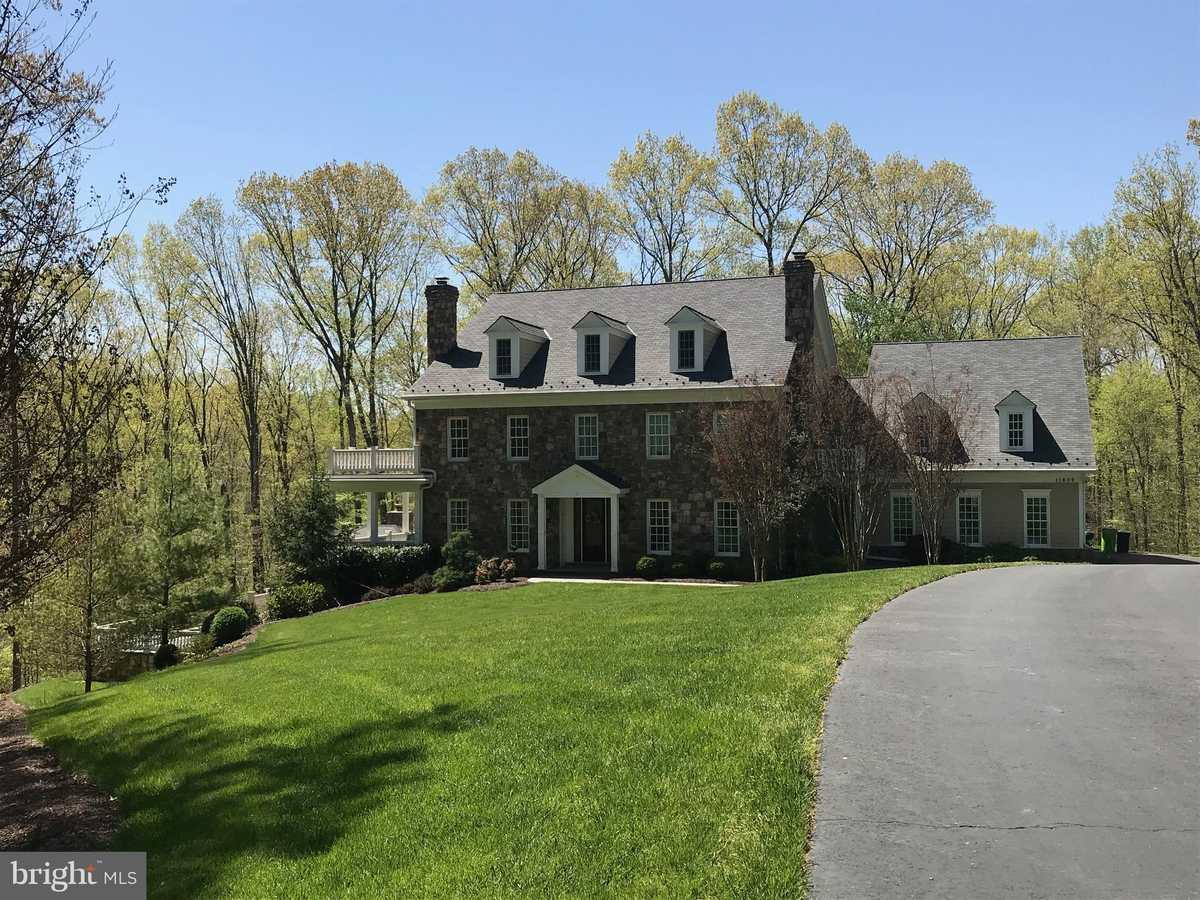 $1,435,000 - 4Br/5Ba -  for Sale in Wolf Run, Clifton