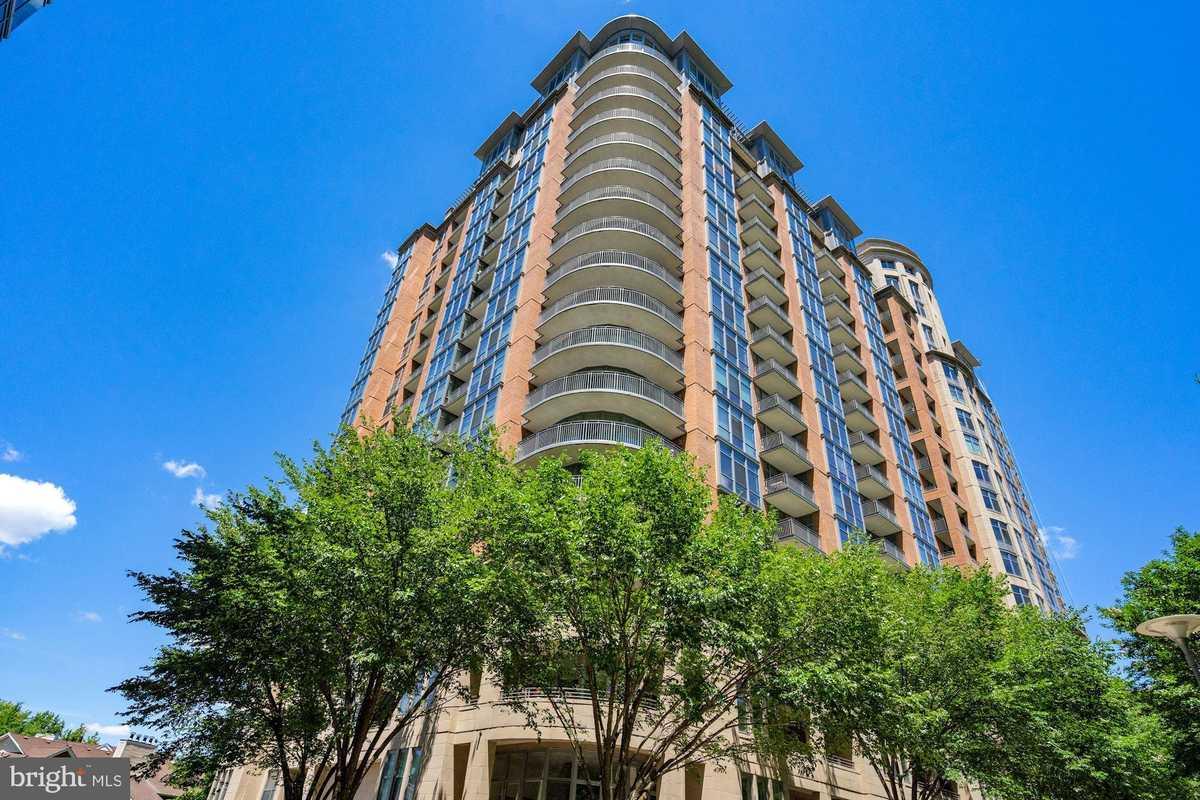 $714,888 - 2Br/2Ba -  for Sale in One Park Crest Condominium, Mclean