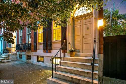 $900,000 - 5Br/4Ba -  for Sale in Bolton Hill, Baltimore