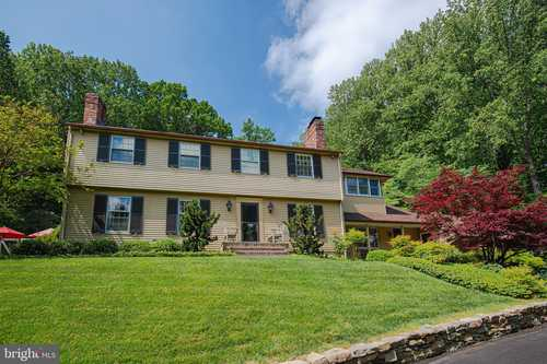 $949,000 - 4Br/4Ba -  for Sale in Ruxton, Baltimore