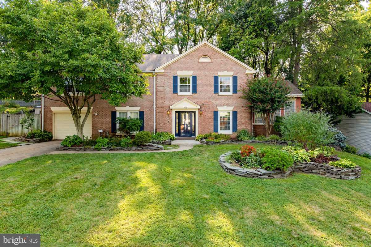 $724,900 - 4Br/3Ba -  for Sale in Saratoga, Springfield
