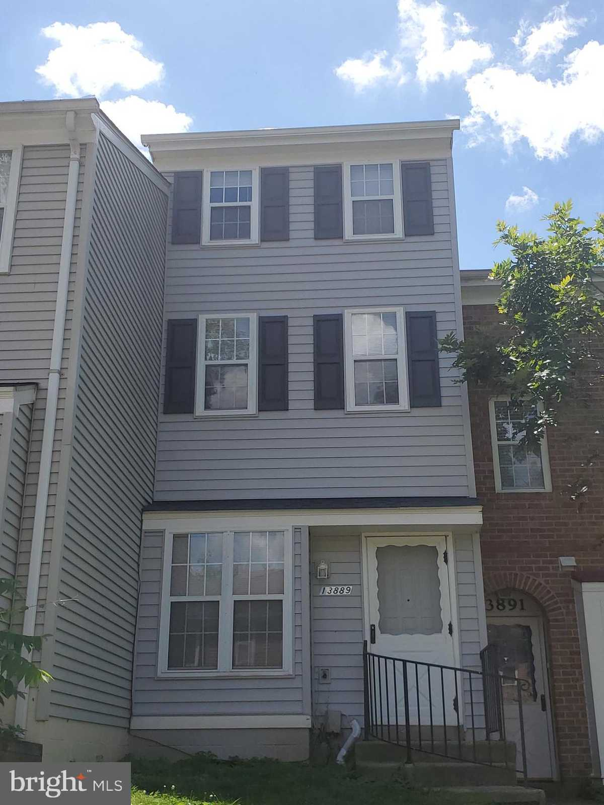 $369,900 - 3Br/2Ba -  for Sale in Brookleigh, Chantilly