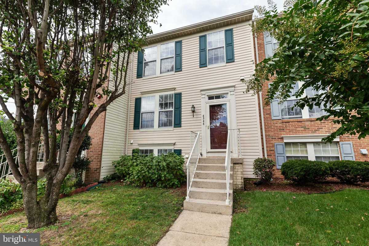 $469,900 - 3Br/4Ba -  for Sale in Greenwood, Springfield