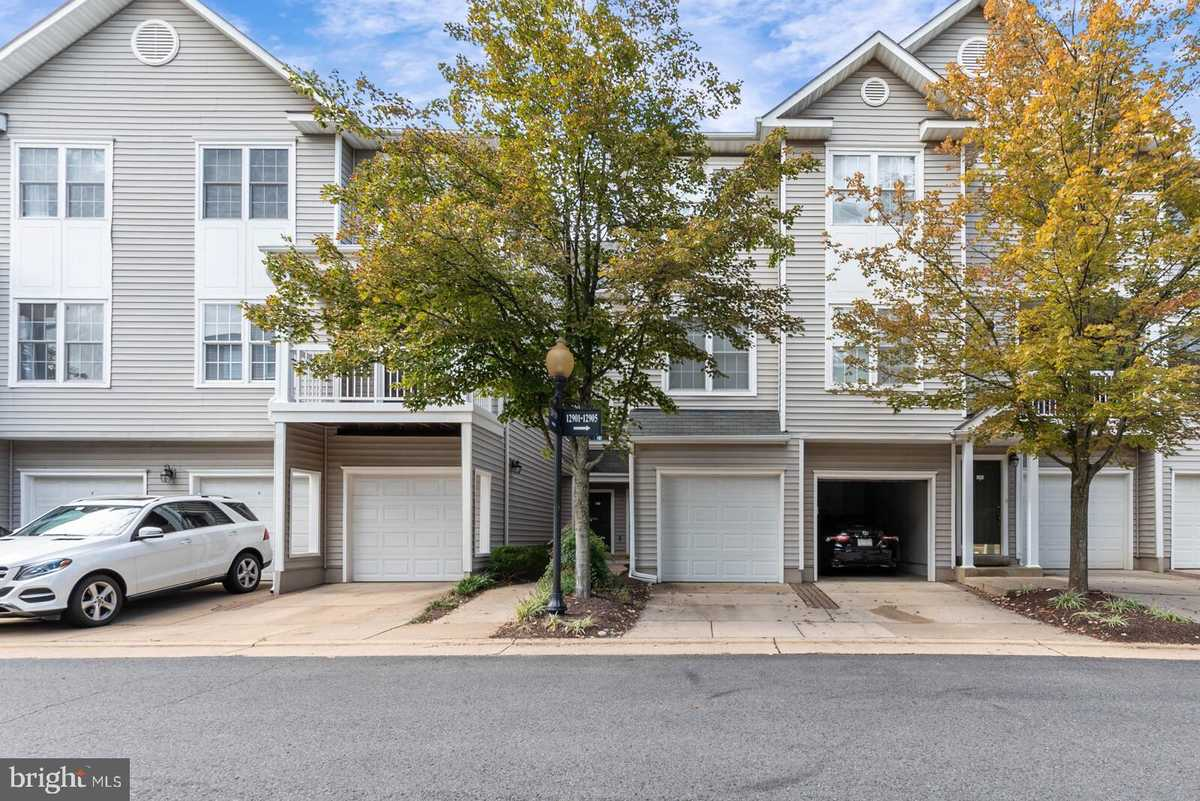$374,900 - 2Br/2Ba -  for Sale in Gates Of Fair Lakes, Fairfax
