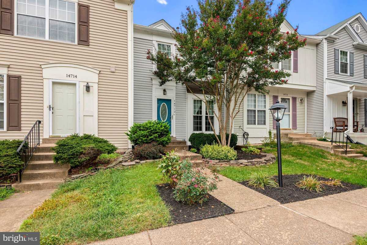 $369,900 - 2Br/2Ba -  for Sale in London Towne West, Centreville