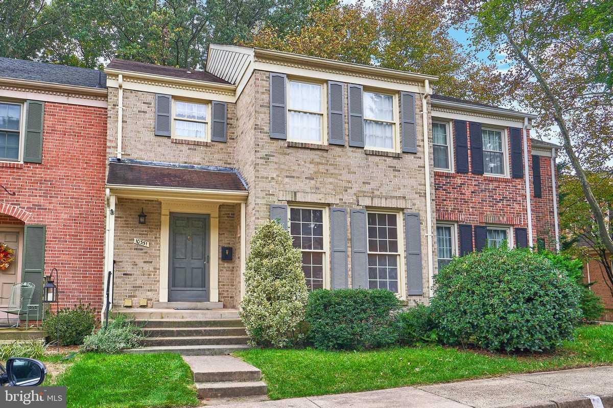 $499,000 - 4Br/4Ba -  for Sale in Woodlynne Community, Fairfax