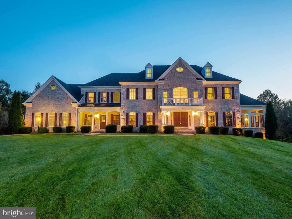 $1,675,000 - 6Br/8Ba -  for Sale in Cedar Crest, Chantilly