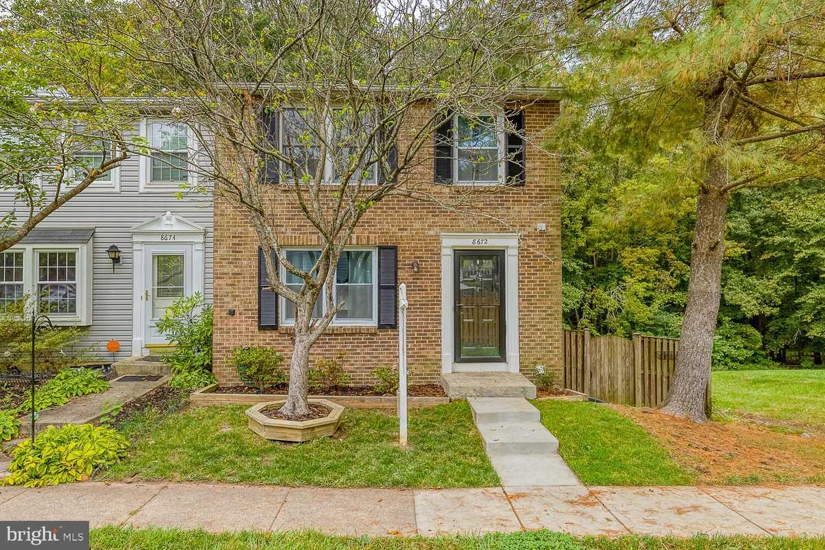 $430,000 - 3Br/3Ba -  for Sale in Newington Forest, Springfield