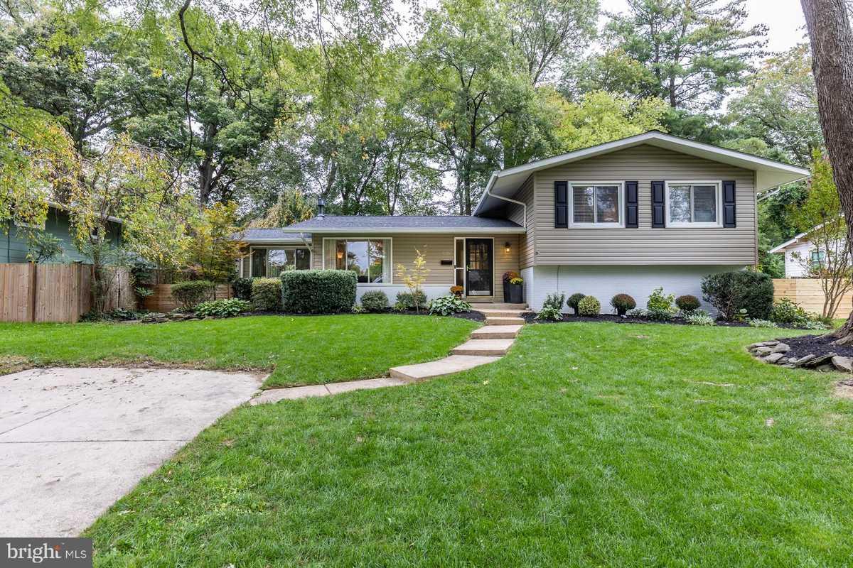 $659,900 - 4Br/3Ba -  for Sale in Fairfax Villa, Fairfax