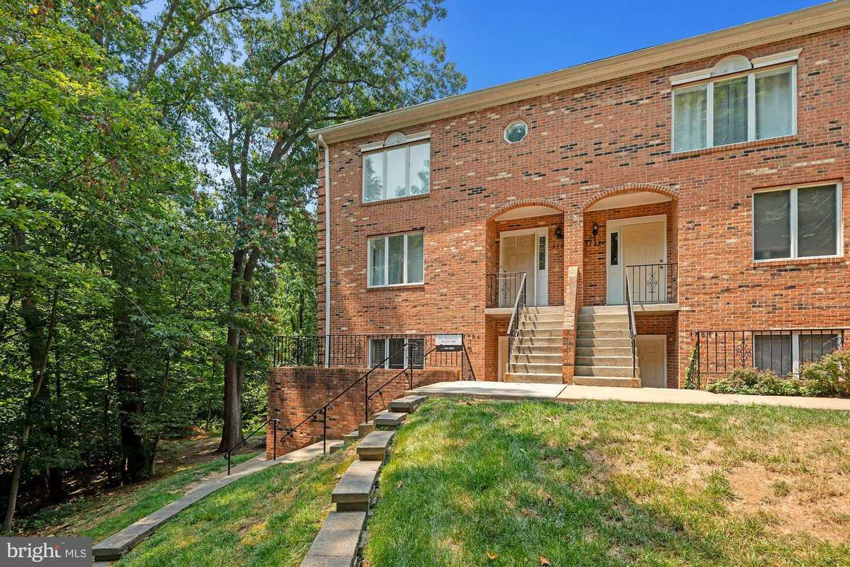 $425,000 - 3Br/3Ba -  for Sale in Charing Cross, Falls Church