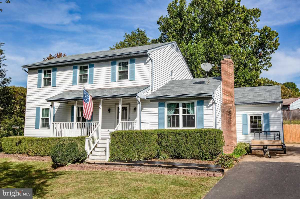 $369,900 - 3Br/3Ba -  for Sale in Vista Woods, Stafford