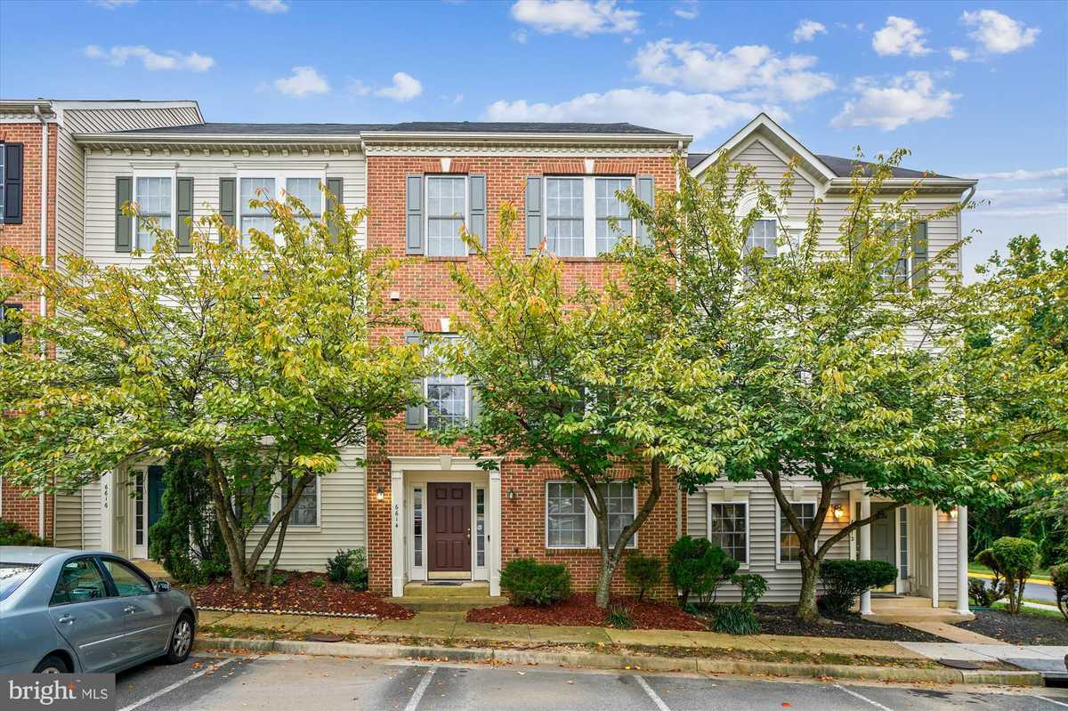 $500,000 - 3Br/4Ba -  for Sale in Japonica, Springfield
