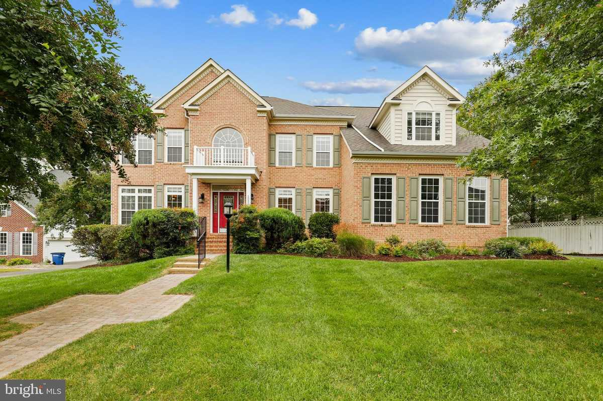 $1,125,000 - 6Br/6Ba -  for Sale in Monroe Place, Herndon